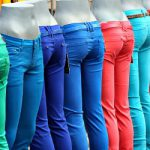 Coloured Jeans auf dem Markt in Gent